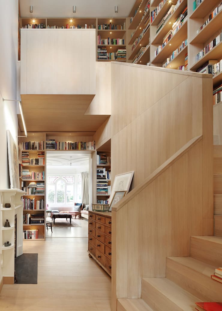 Book Tower House:  Corridor & hallway by Platform 5 Architects LLP