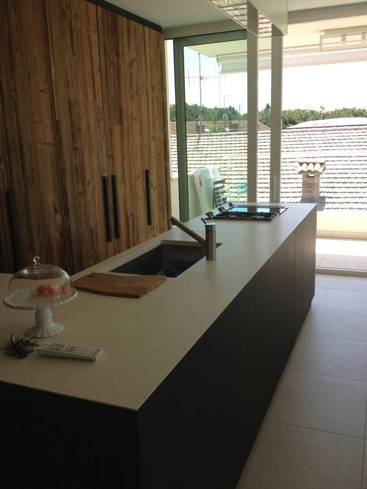 Kitchen by MONICA POLETTI INTERIORS, Modern