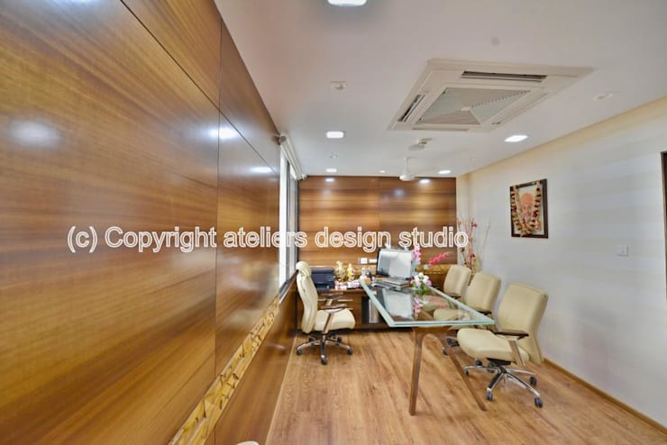 Paramanand pharma:  Office buildings by Ateliers Design Studio