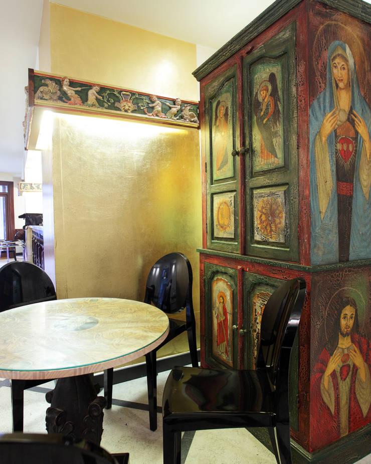Bar Torno de Monjas: Locales gastronómicos de estilo  de moreandmore design