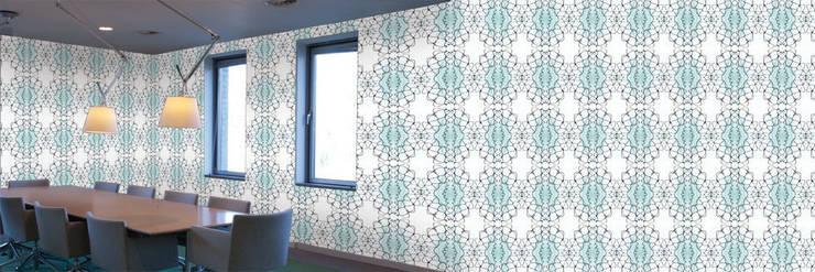 Muurbloem Design Studio_Collection Curves & Stripes_Bending1_GR:  Muren & vloeren door Muurbloem Design Studio