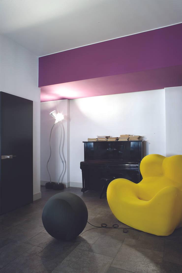 GR Apartment, Milano: Soggiorno in stile  di Calvi Brambilla