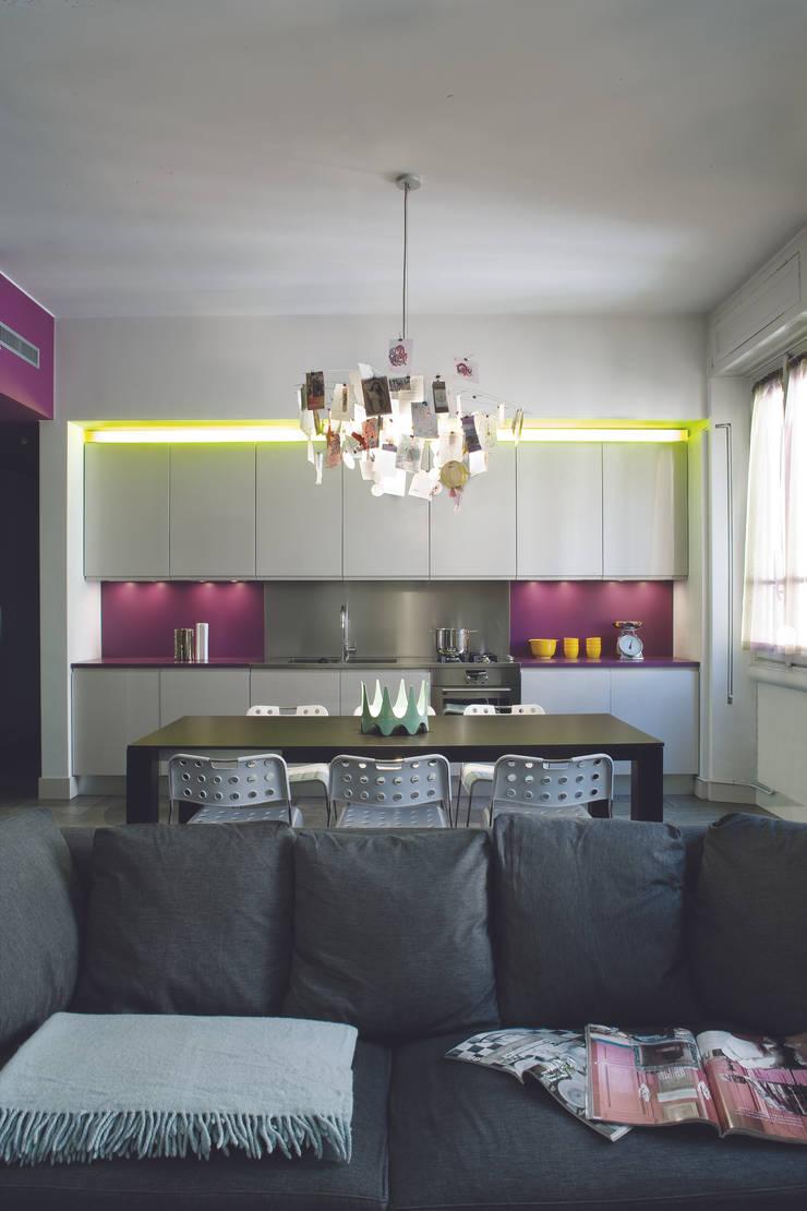 GR Apartment, Milano: Cucina in stile  di Calvi Brambilla