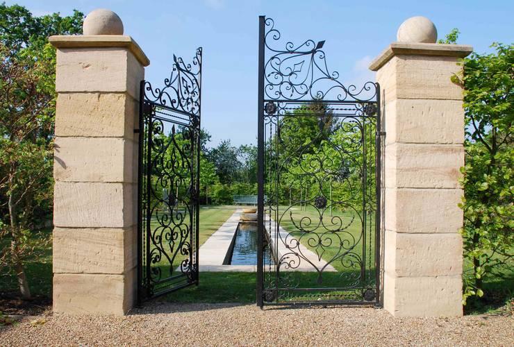 Rill Garden - complete:   by Barry Holdsworth Ltd