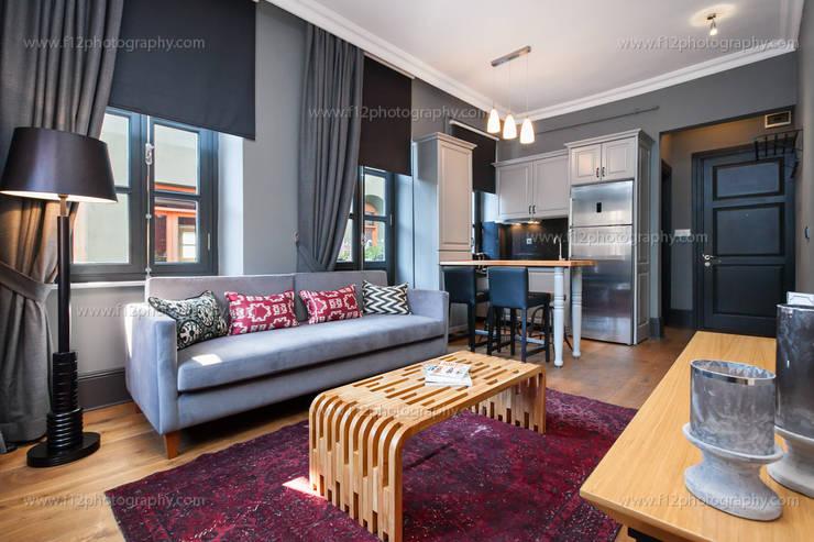 f12 Photography – Balkon Residences: modern tarz Oturma Odası