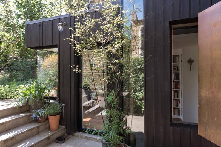 窗 by MW Architects
