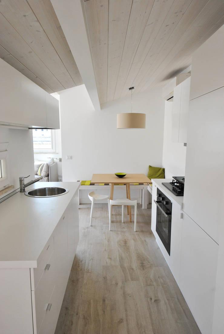 Kitchen by Formaementis, Minimalist