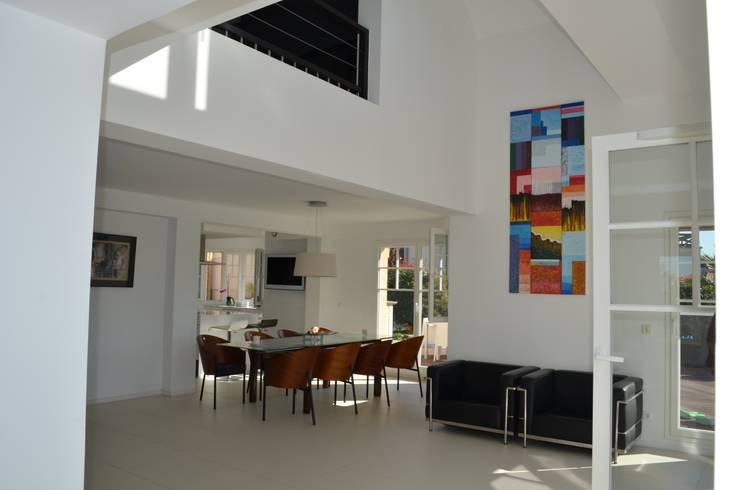 Vue intérieure : Salle à manger: Salle à manger de style  par NO B.O ARCHITECTURE