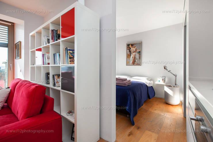 f12 Photography – Belkıs Apartment:  tarz Yatak Odası