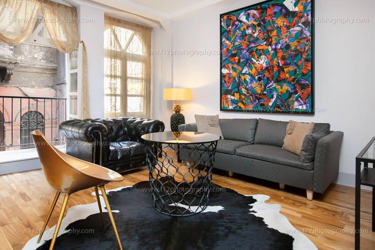 f12 Photography – Chiconomy Suites:  tarz Oturma Odası