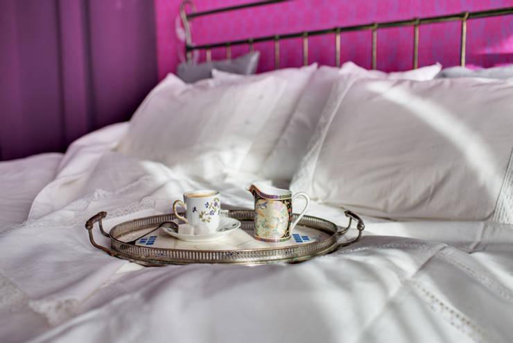 Яркая история: Спальни в . Автор – Порядок вещей - дизайн-бюро, Эклектичный