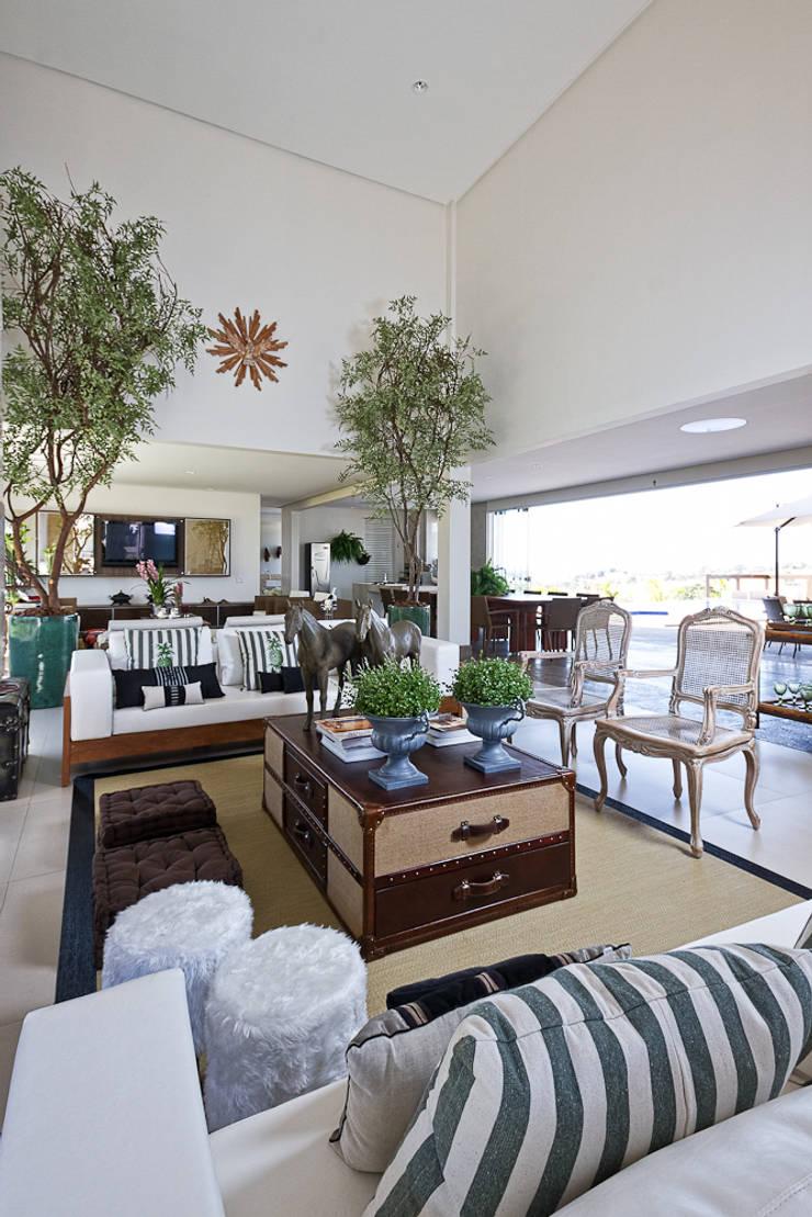 Casa da Fazenda:   por Valéria Oliveira