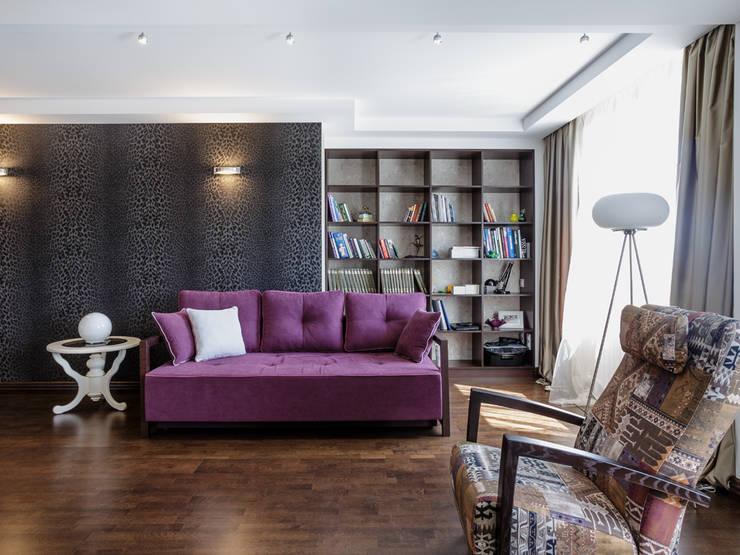 Гостиная:  в . Автор – PROTOTIPI architects