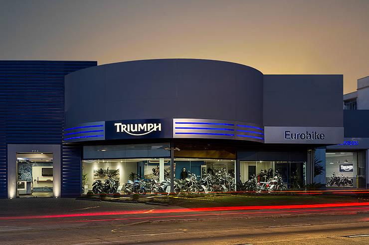 Triumph Porto Alegre: Concessionárias  por RICARDOTRAMONTINA.ART