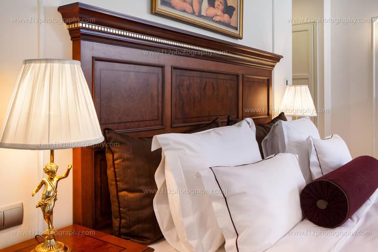 f12 Photography – Palazzo Donizetti Hotel: klasik tarz tarz Yatak Odası