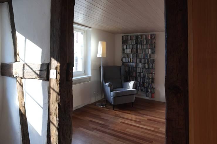 Musikzimmer:  Multimedia-Raum von Schönenberger Architektur Immobilien GmbH - dipl Architekten