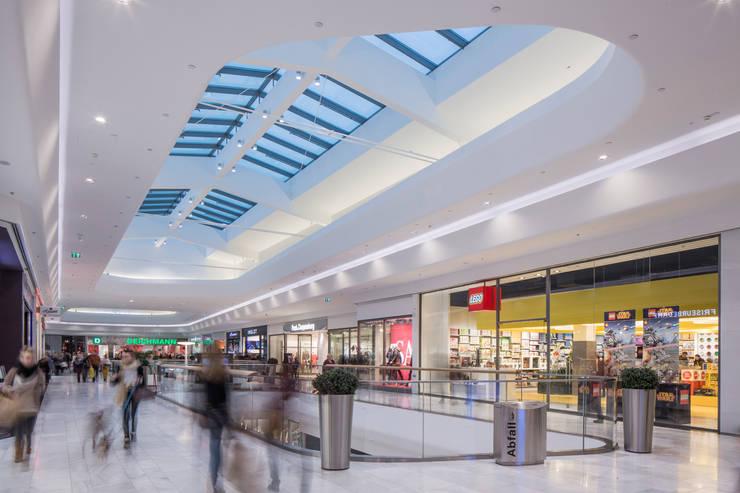 Shopping Centres by Baierl & Demmelhuber Innenausbau GmbH