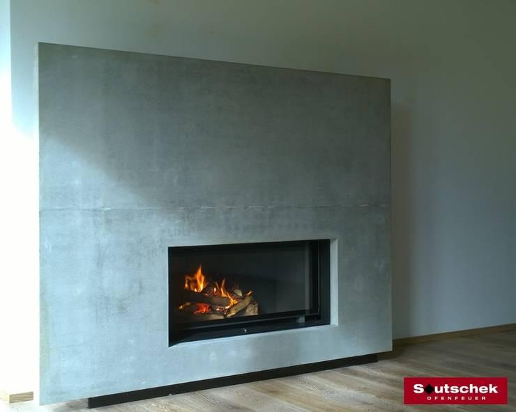 Moderner Kamin: modern  von Soutschek Ofenfeuer,Modern