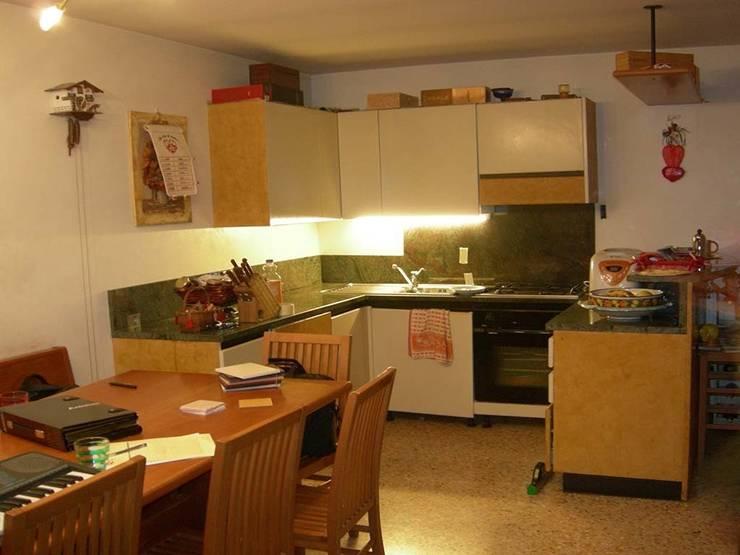Cucina in muratura – Abano Terme (PD):  in stile  di Simone Battistotti - SB design