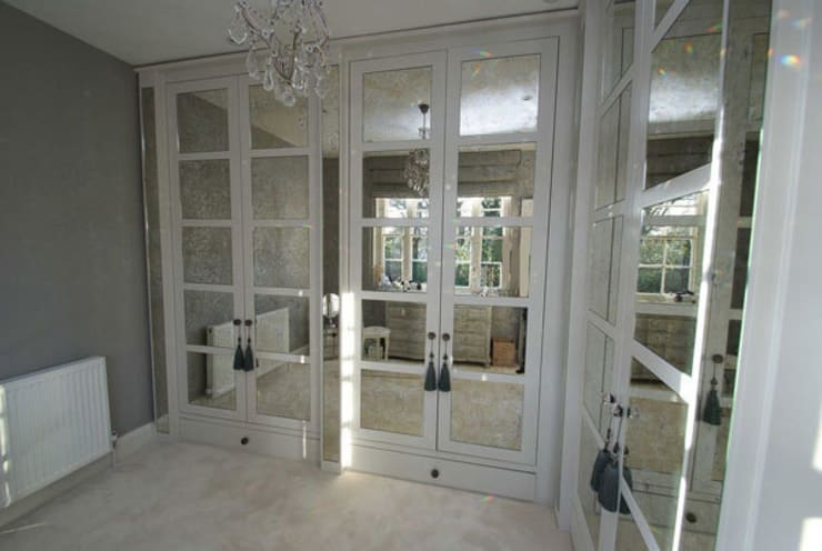 Antique mirror glass dressing room:  Dressing room by Mirrorworks, The Antique Mirror Glass Company