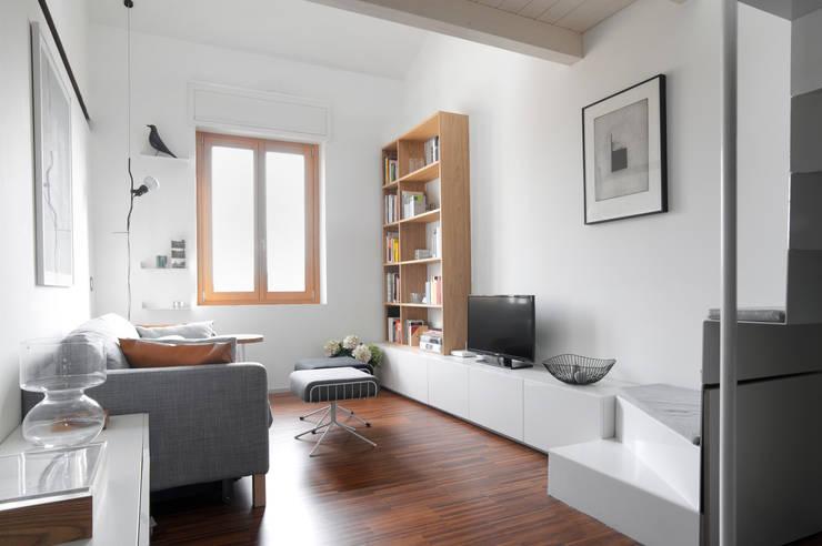 Soggiorno: Soggiorno in stile in stile Moderno di PLUS ULTRA studio
