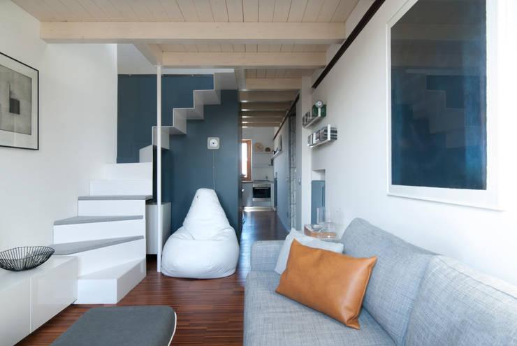 moderne Wohnzimmer von PLUS ULTRA studio