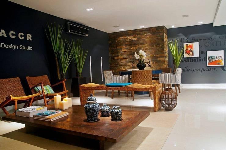 LOUNGE ACCR - CASA NOVA 2011 (Fotos Maíra Alemand): Espaços comerciais  por ArchDesign STUDIO