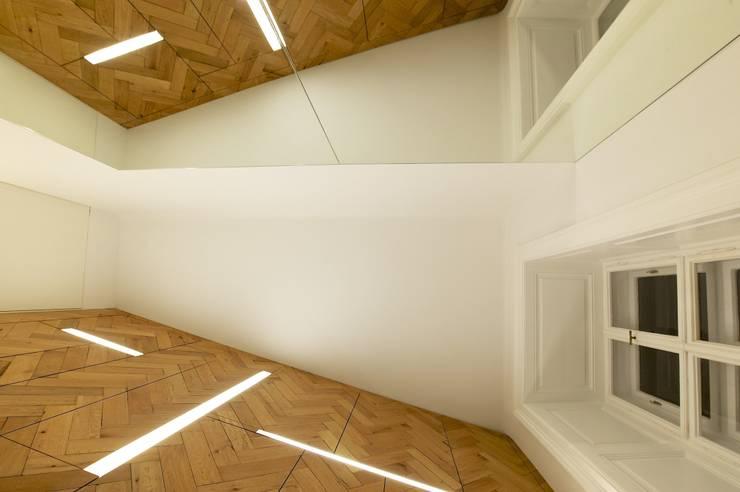 eclectische Mediakamer door 3rdskin architecture gmbh