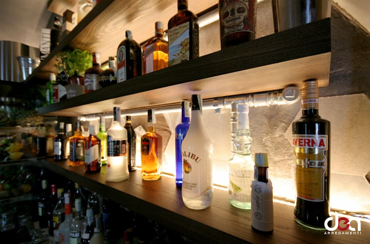 MOJ Cafè: Negozi & Locali commerciali in stile  di DEA Arredamenti srl, Industrial