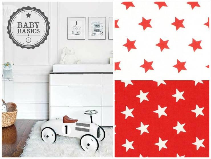 Puf BabyBasics DREAMS modelo Red Stars: Habitaciones infantiles de estilo  de BabyBasics