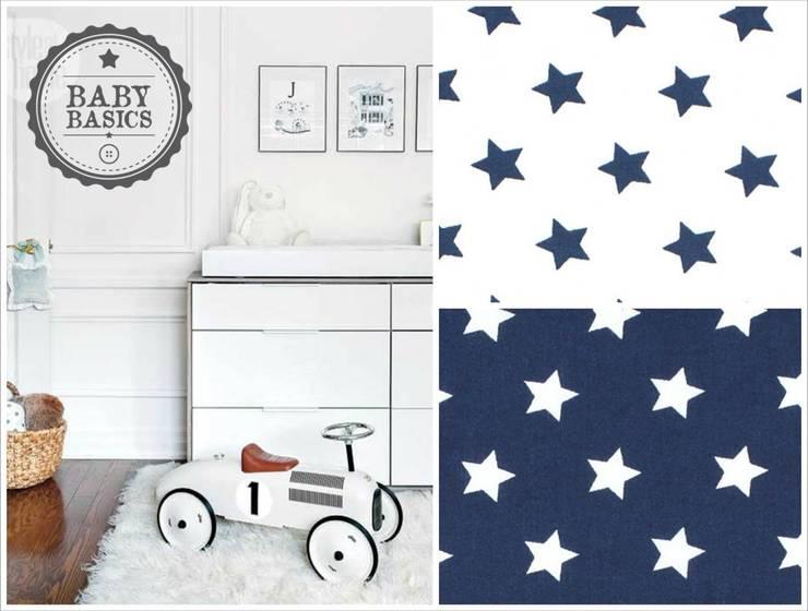Puf BabyBasics DREAMS modelo Navy Stars: Habitaciones infantiles de estilo  de BabyBasics