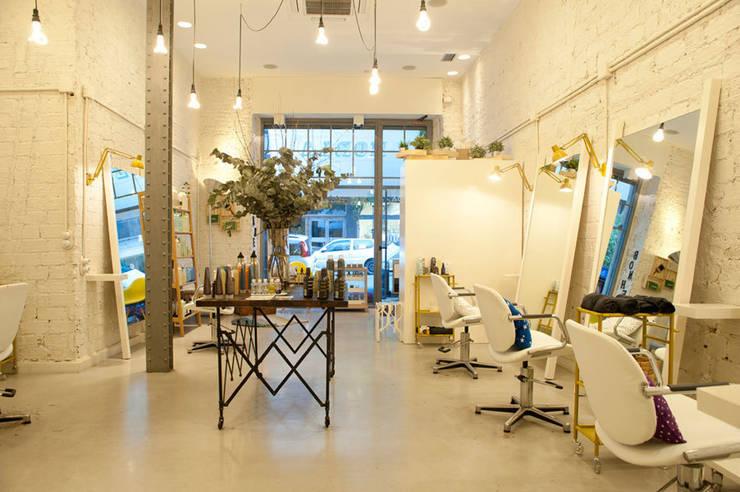 Projekty,  Przestrzenie biurowe i magazynowe zaprojektowane przez Sube Susaeta Interiorismo