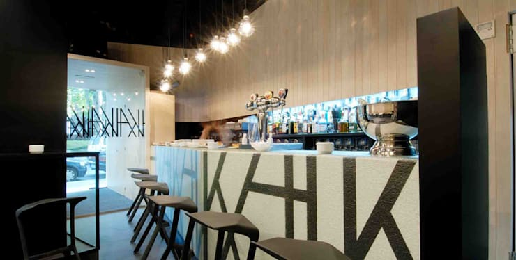 Bar Kai..: Espacios comerciales de estilo  de Estudio TYL