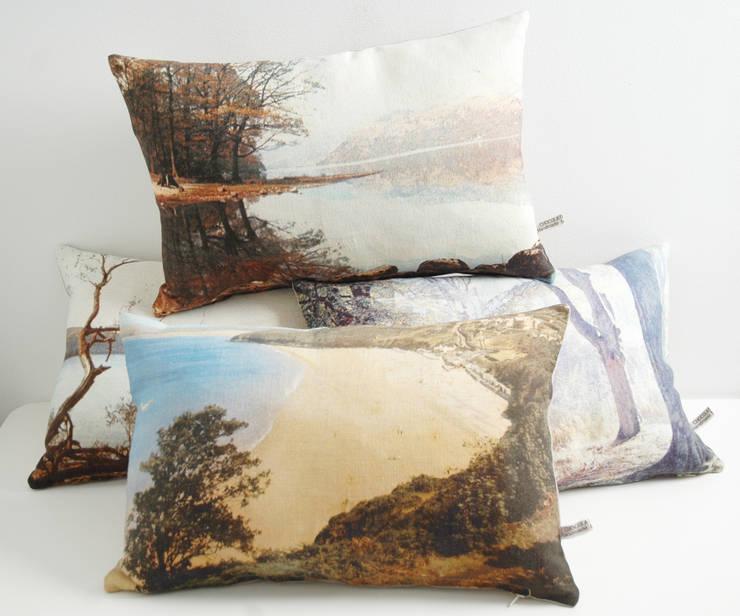 ENGLISH ROMANTIC Cushions:  Living room by chocolate creative