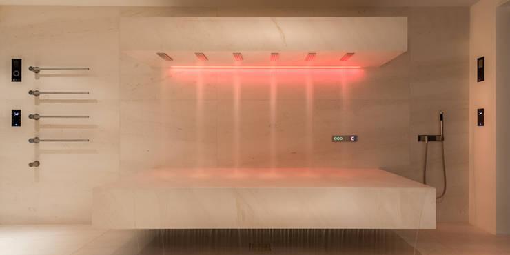 moderne Spa door peter glöckner   architektur