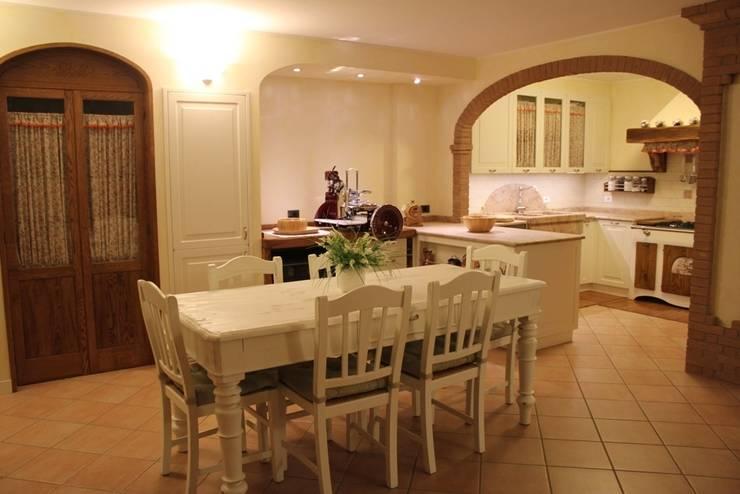 Kitchen by Falegnameria Ferrari