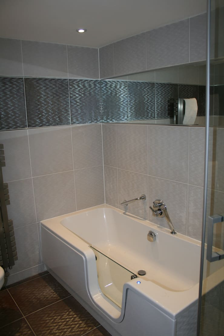 En-suite to bedroom 1:   by Aura Designworks Ltd