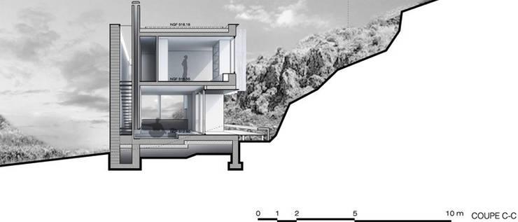 Coupe3: Maisons de style  par Wen Qian ZHU Architecture