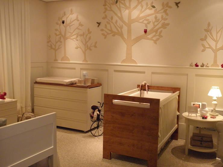 комнаты для новорожденных в . Автор – Lígia Bisconti, Модерн