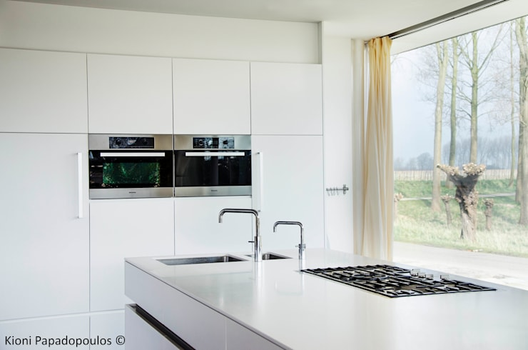 Kitchen by Ton Altena Architect,
