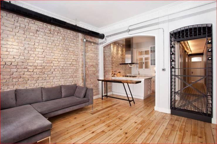 DICLE HOKENEK ARCHITECTURE – SO EVI: modern tarz Yemek Odası