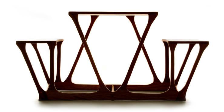 Devoirs Desk:  Living room by CBCM Design