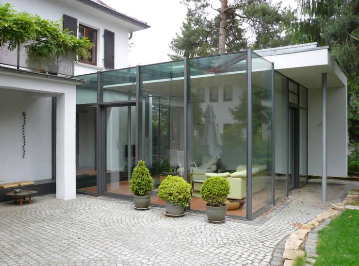 Jardin d'hiver de style  par Claus + Pretzsch Architekten BDA