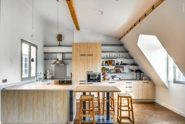 Paris 7: Cuisine de style de style Industriel par AGV Architecte