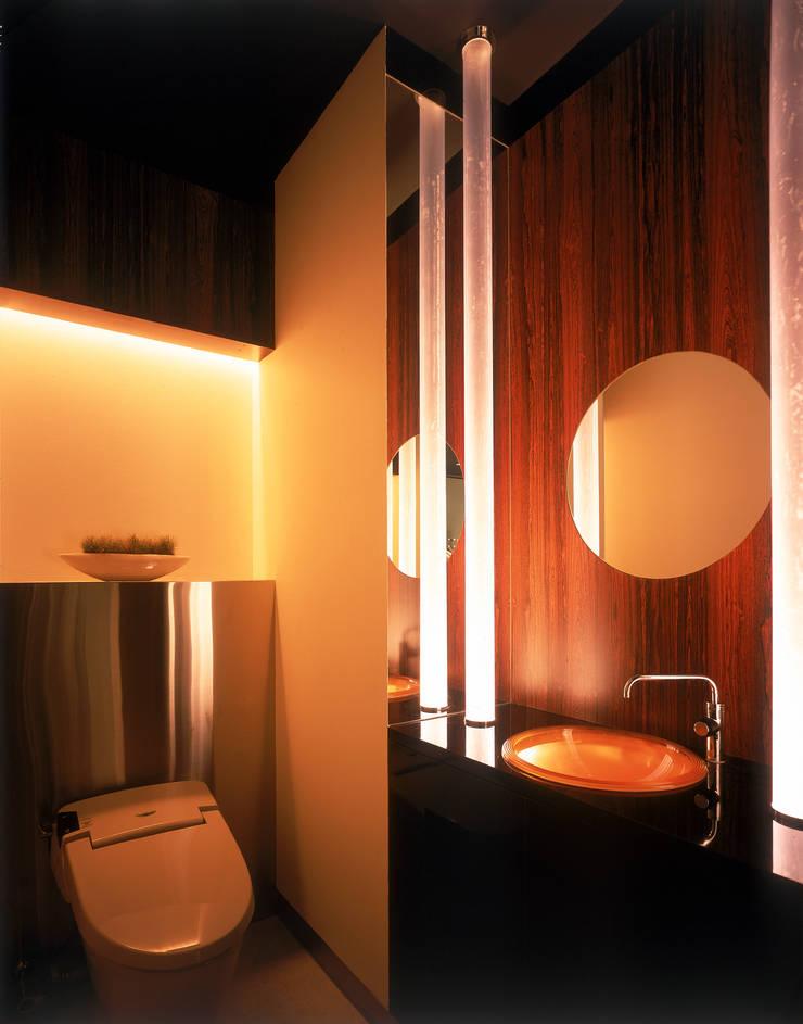 MEN'S Boutique DINO: Shigeo Nakamura Design Officeが手掛けた病院です。,モダン