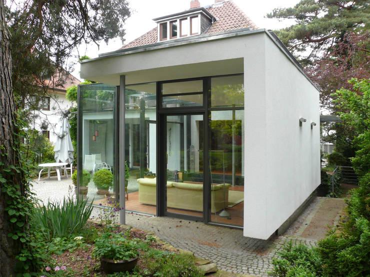 Haus N:  Wintergarten von Claus + Pretzsch Architekten BDA,Modern