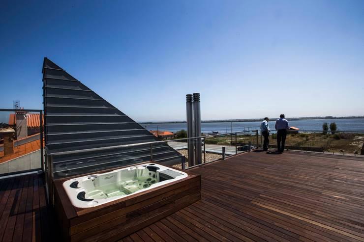 Casa VA: Casas modernas por Atelier Lopes da Costa
