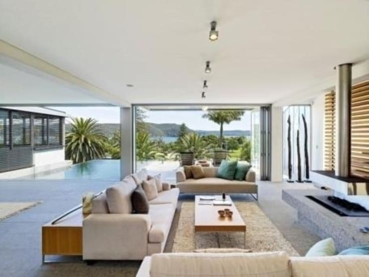 Queensland:  Living room by Bella life Style