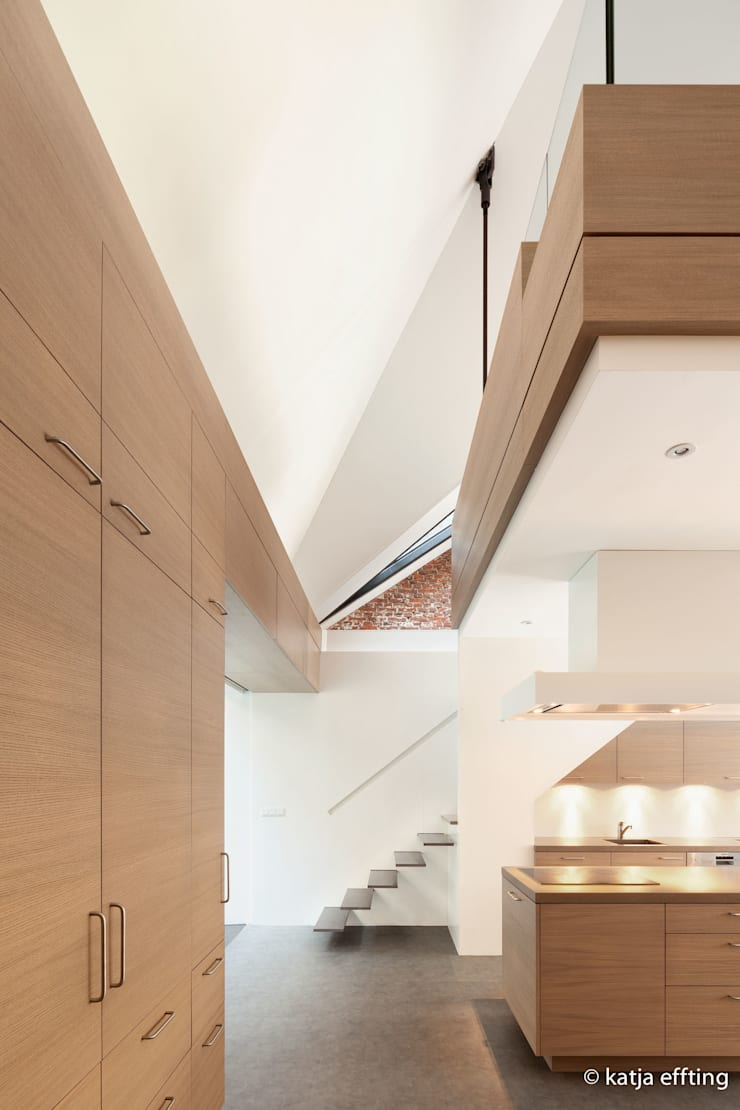 ITC Annex - kitchen house:  Keuken door Mirck Architecture, Modern