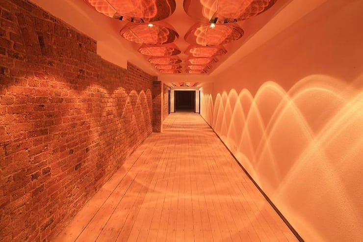 Hallway:  Corridor & hallway by Perfect Integration